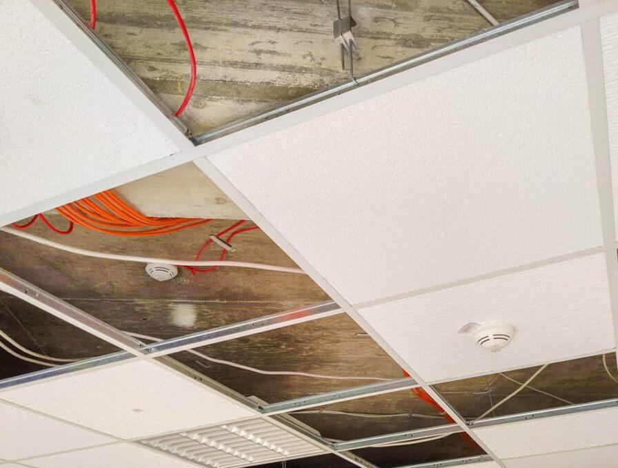 Open systeemplafond platen